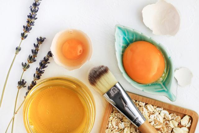 卵をヘアパックに使うイメージ